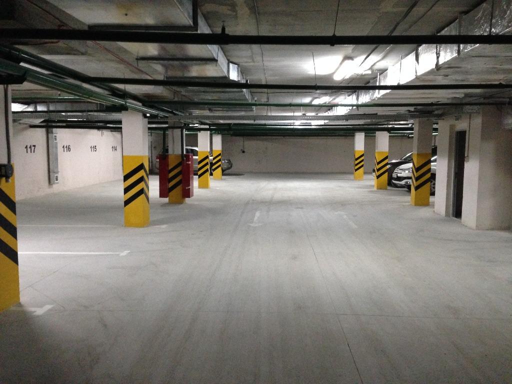 Ремонт под паркинг, бетонные полы с топпингом в бизнес центре на Нагорной
