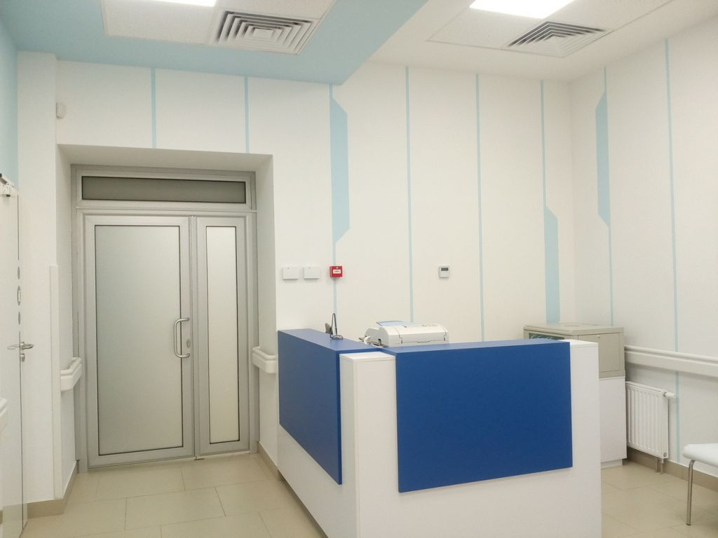 Ресепшн в клинике на Смоленской