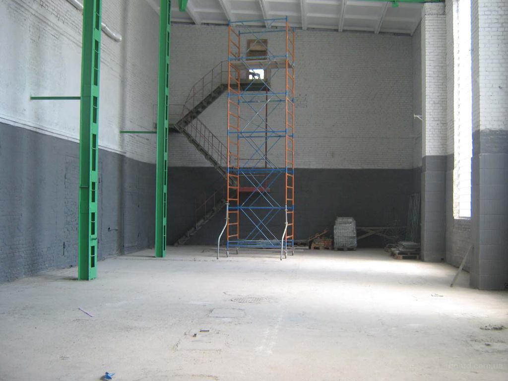 Перекраска стен и колонн на складе в Мытищах