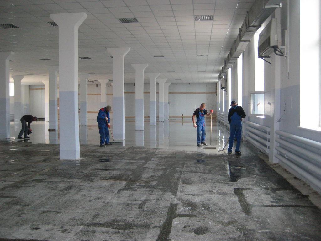 Монтаж полимерных полов на складе в Троицке